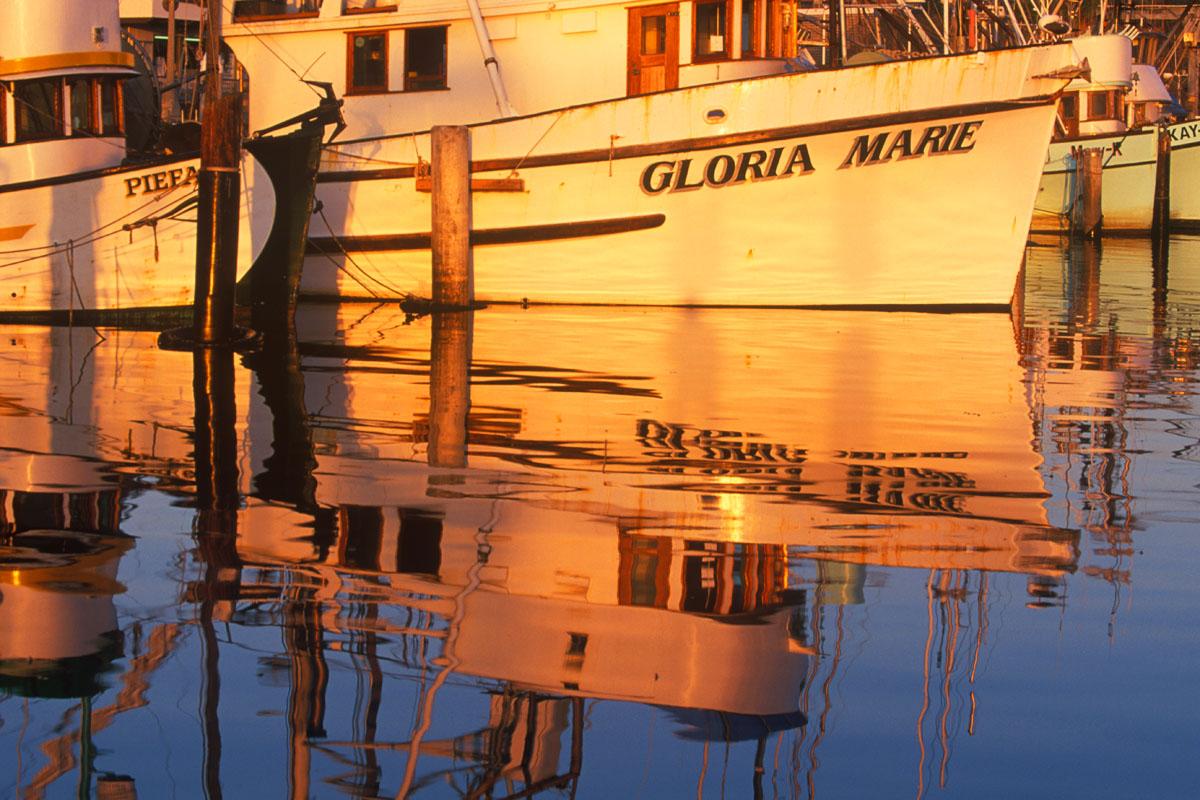 Fishing_Boat_Reflection