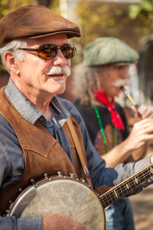 Photographic portrait of street musicians.