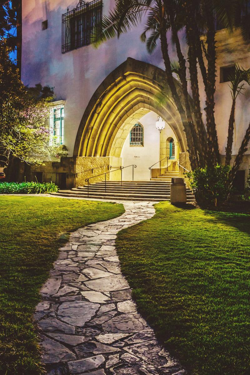 Dusk photograph of Santa Barbara County Courthouse.