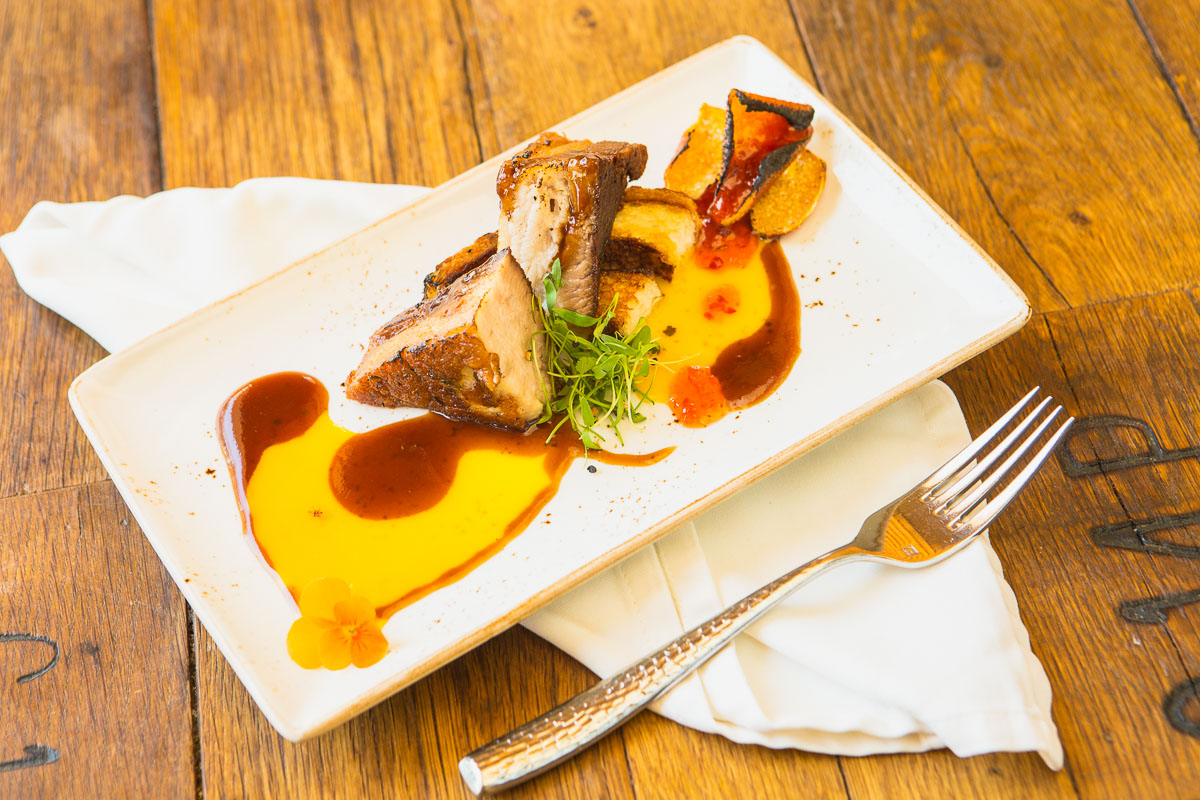 Crispy pork belly with simple staging