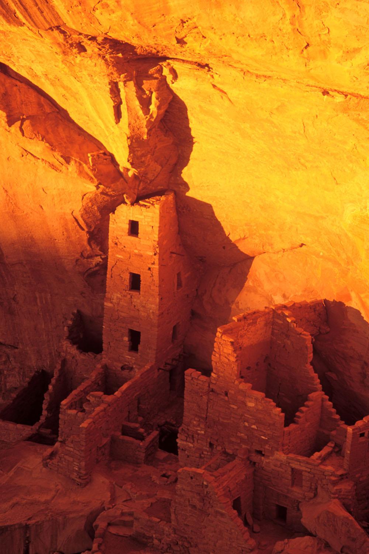 Mesa Verde ruins sidelit