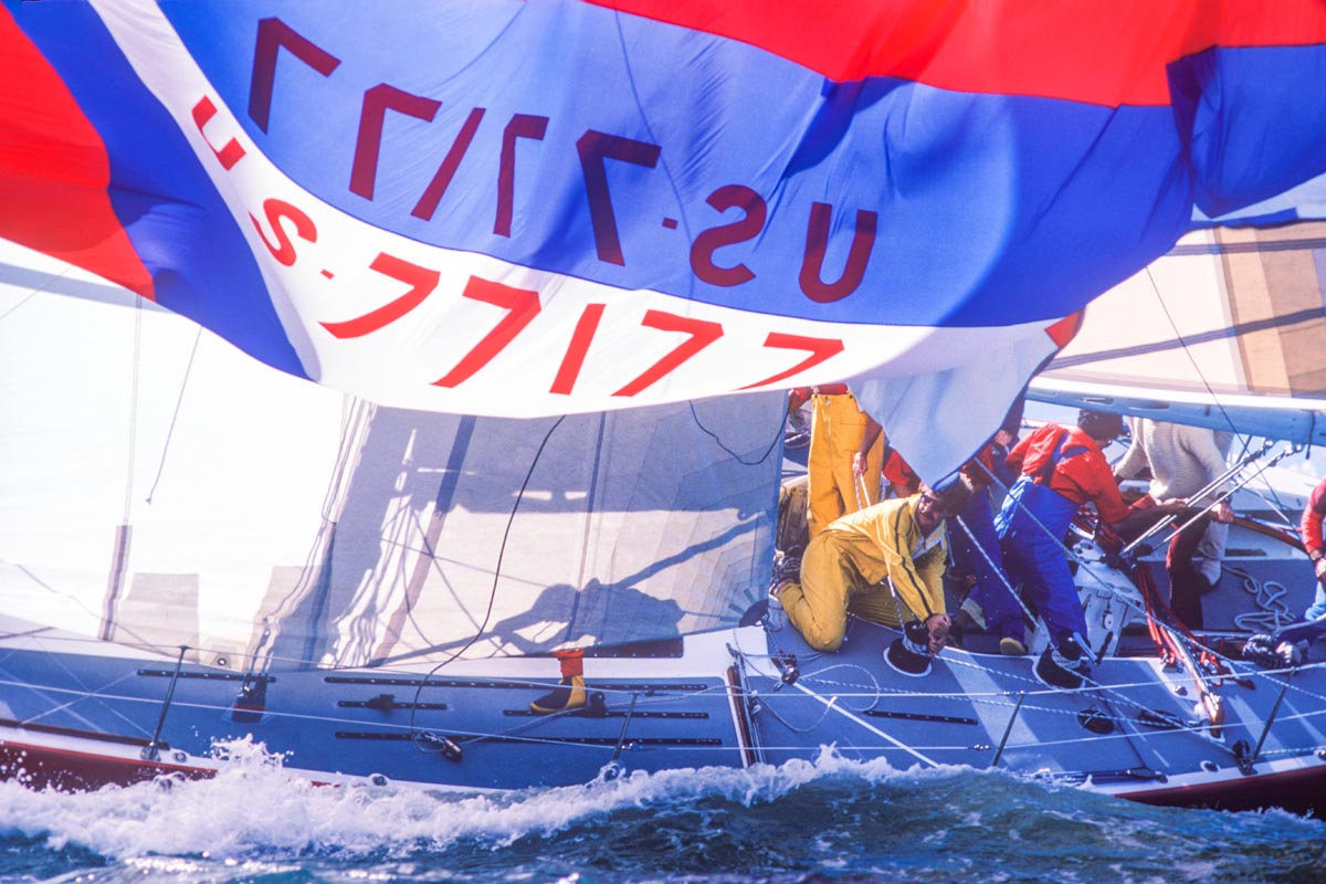 JPEG files of sailboat race action