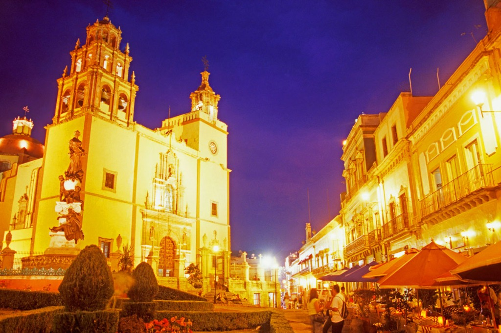 Photographing a church plaza in Mexico with a wide angle lens.